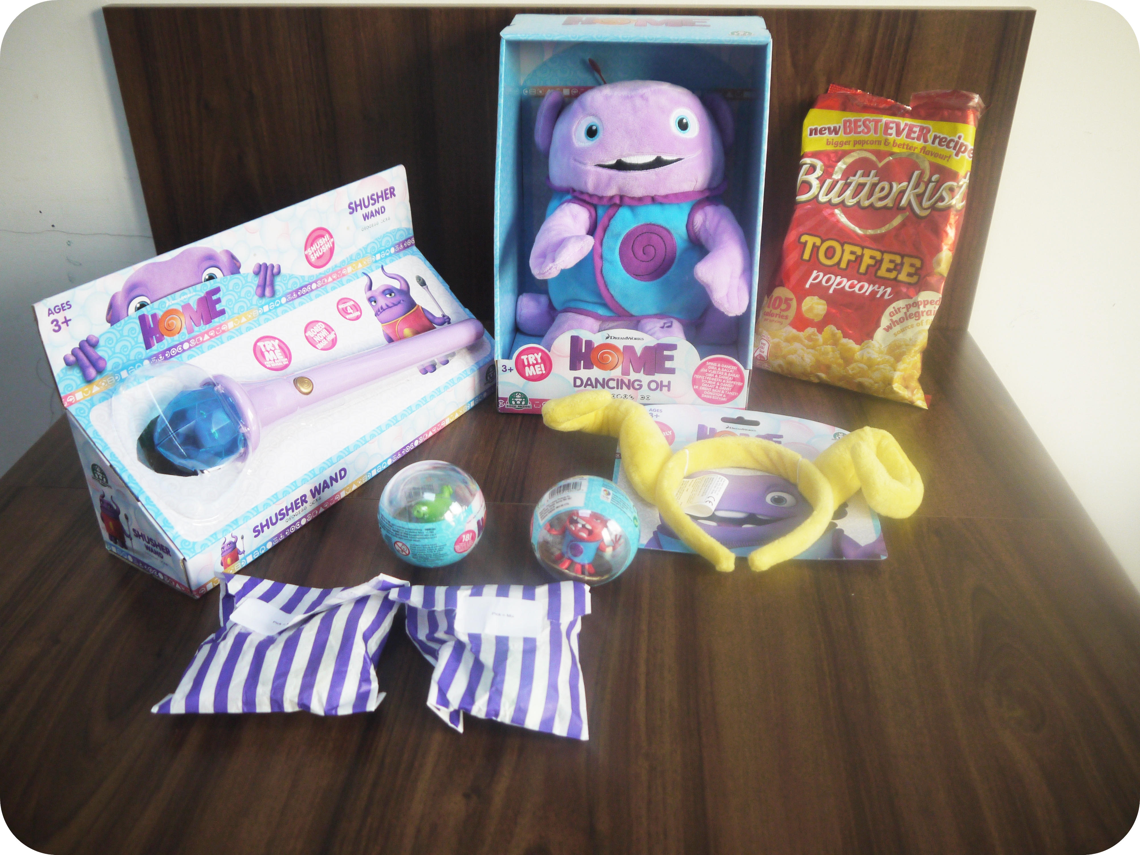 DreamWorks Home Movie and Toys – Review