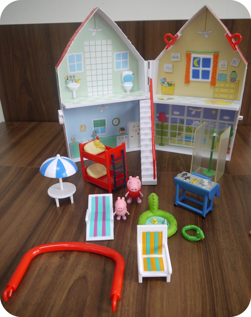 Peppa Pig SunShine Villa Contents
